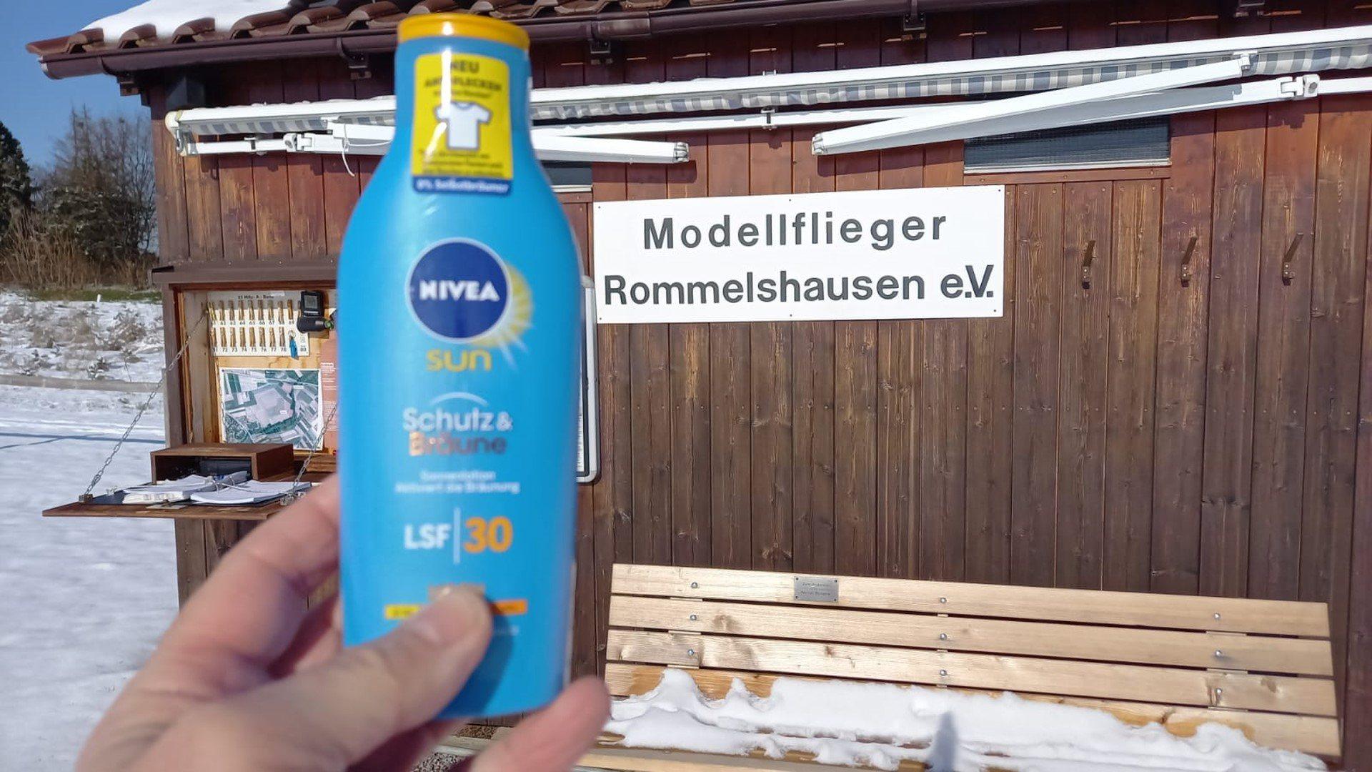 Schneehütte in Rommelshausen
