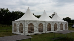 002 Die Zelte stehen