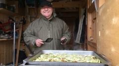 Silvestermenü: Geröstete Maultaschen mit Ei und Kartoffelsalat